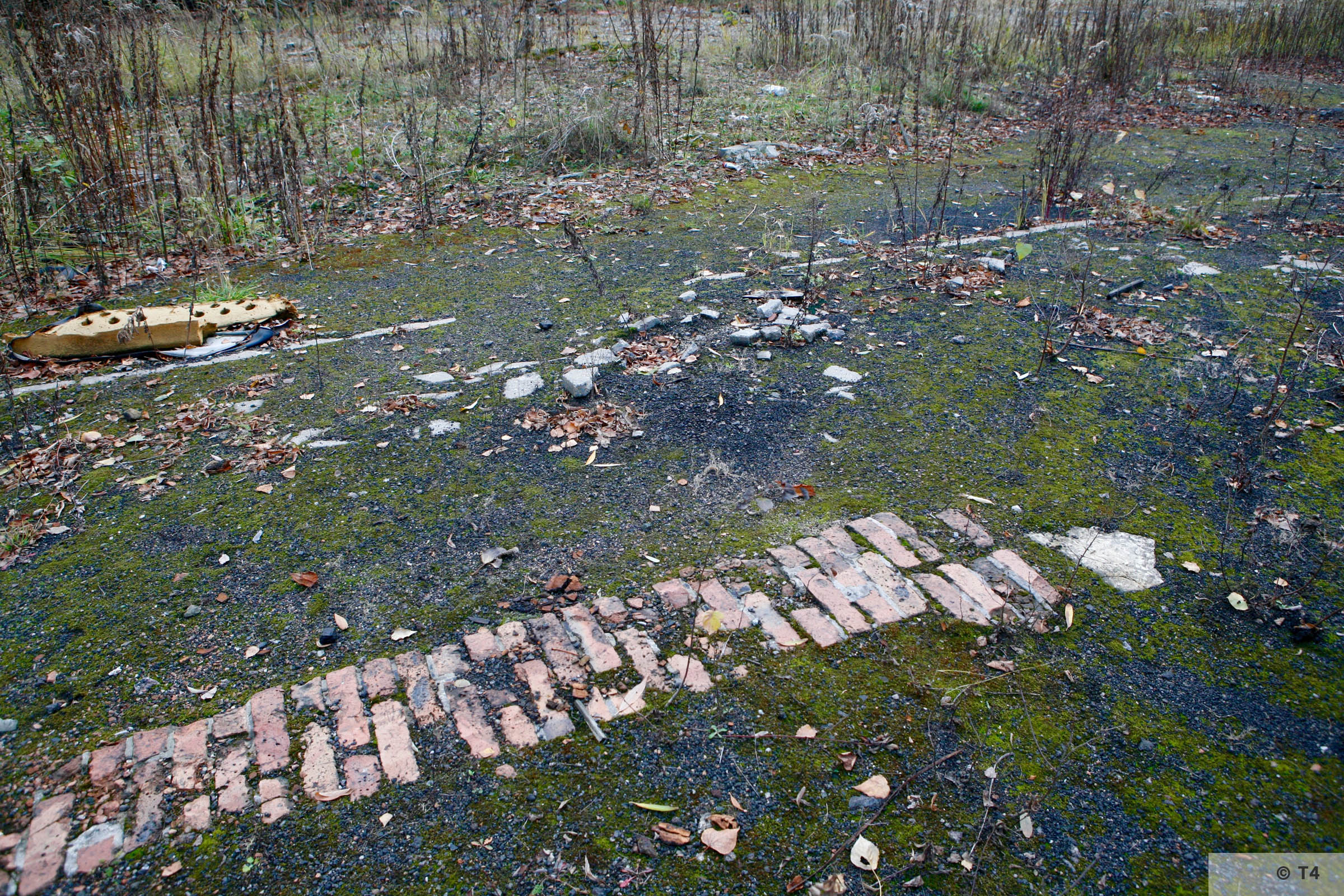 Foundations on the area of the former sub camp and labour camp. 2006 T4 4800