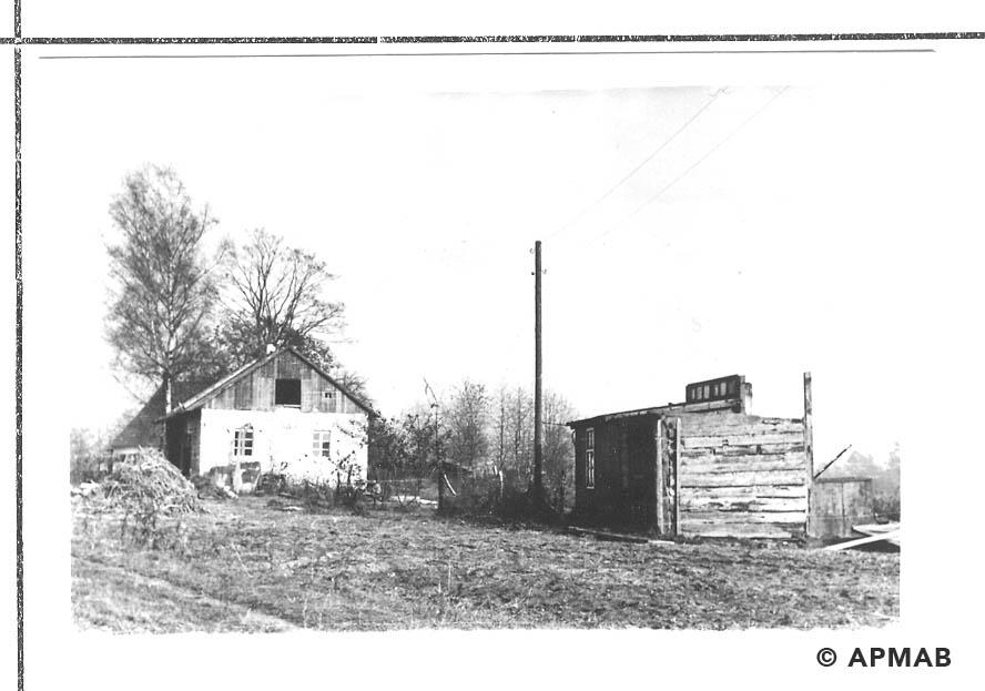 Fragment of sub camp fence and orginal barrack. 1955 APMAB 22273 14