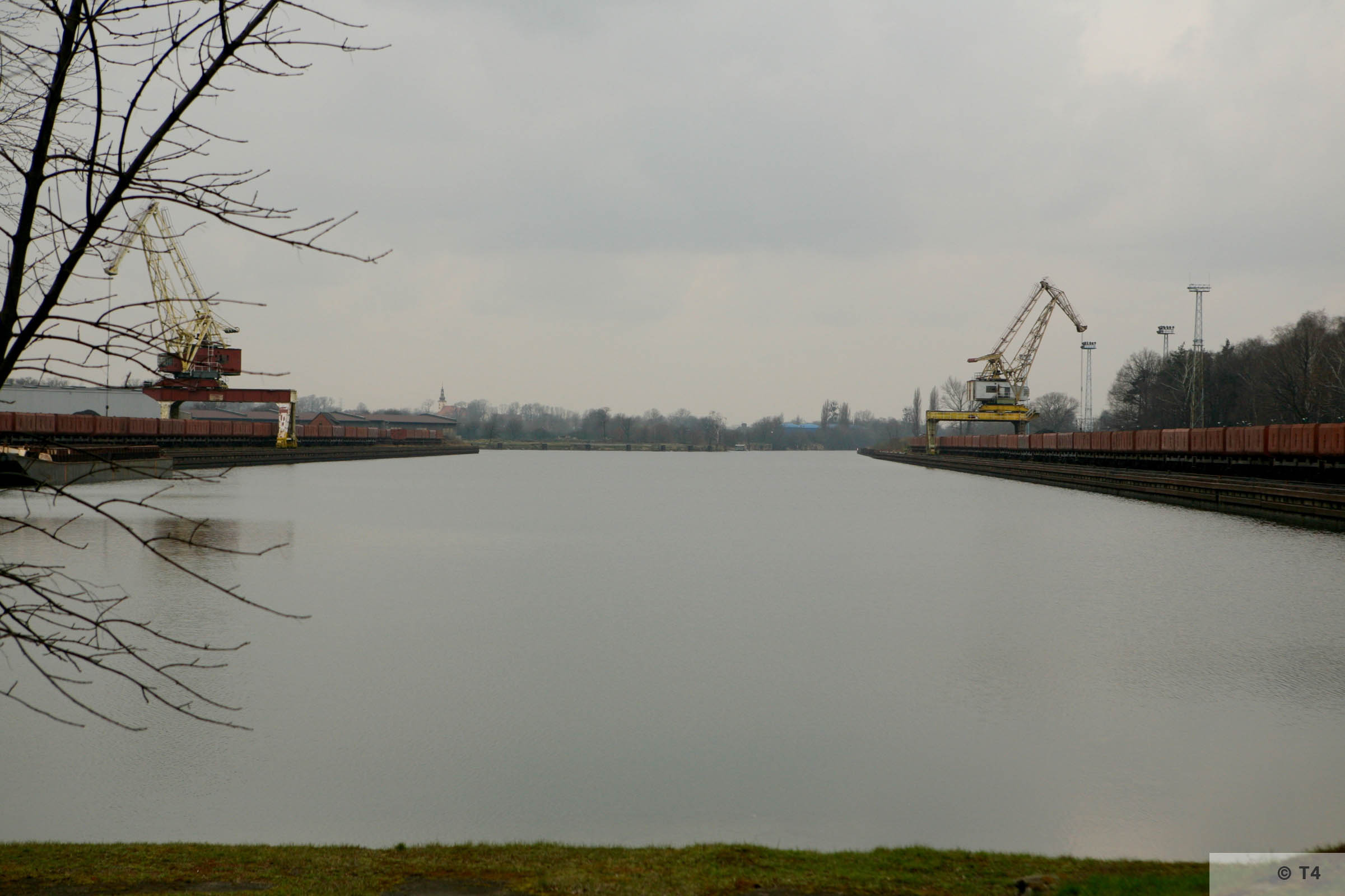 Gliwice canal and harbour. 2007 T4 4980
