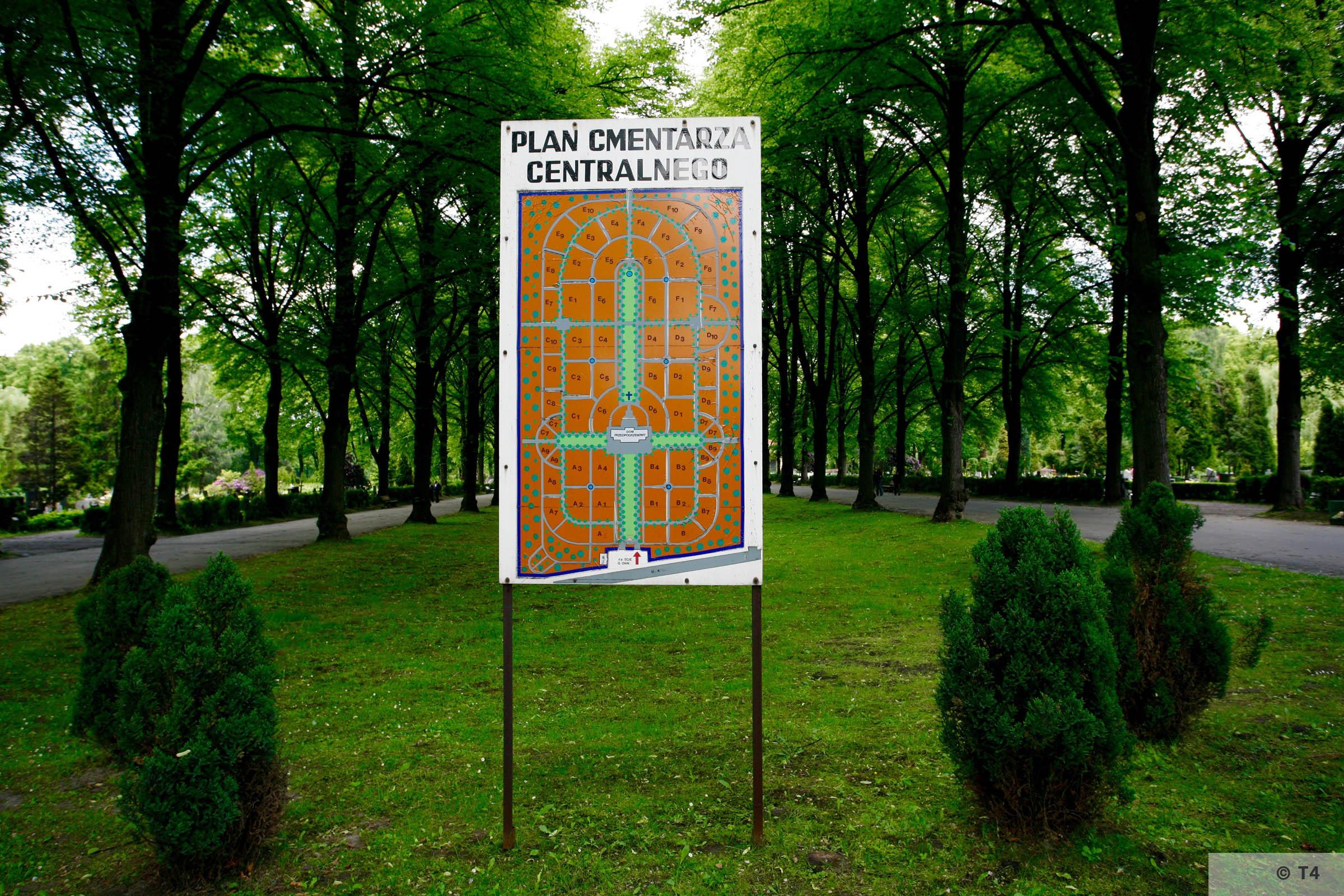 Gliwice cemetery. 2005 T4 5562