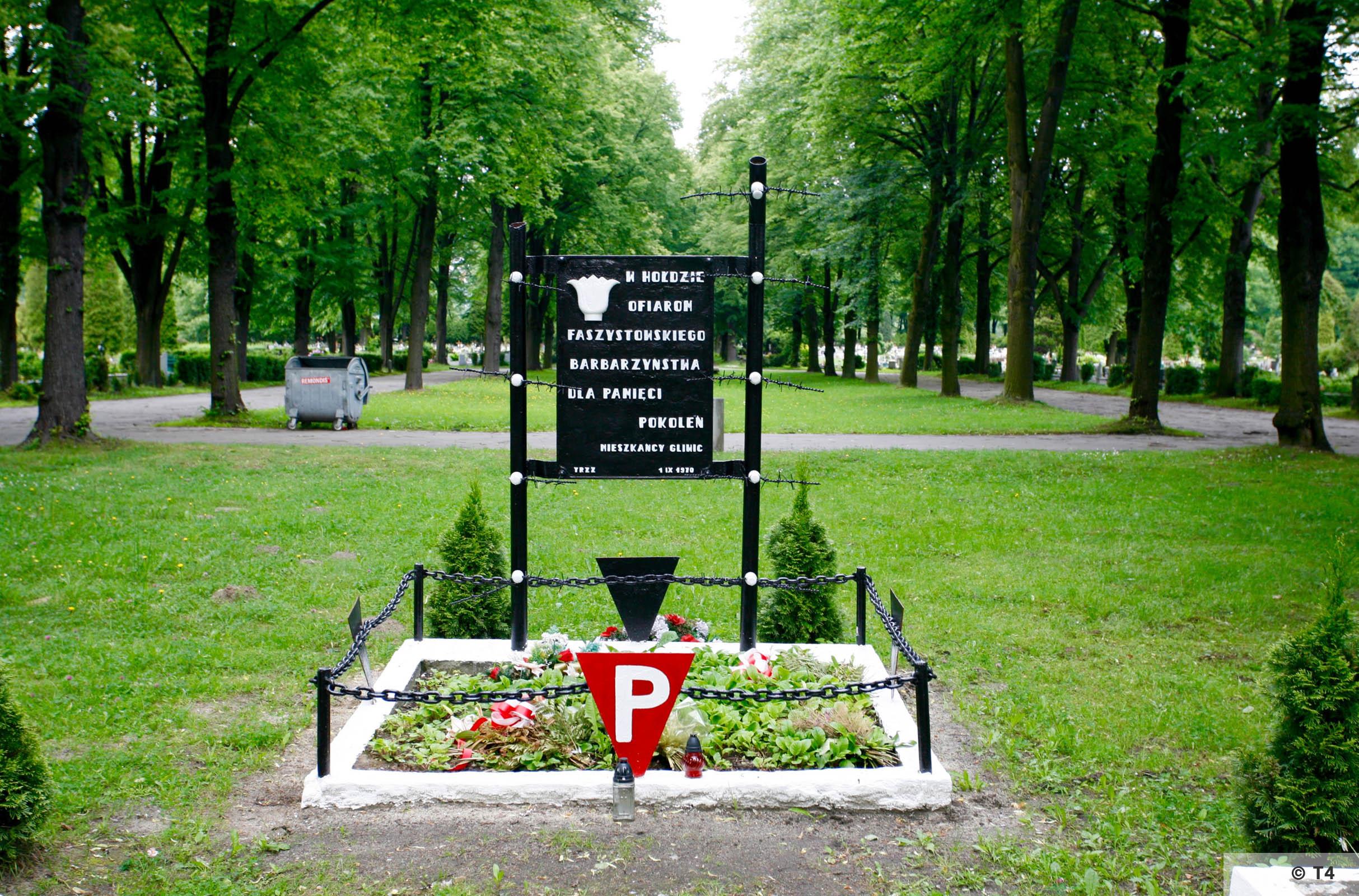 Gliwice cemetery. 2005 T4 5564