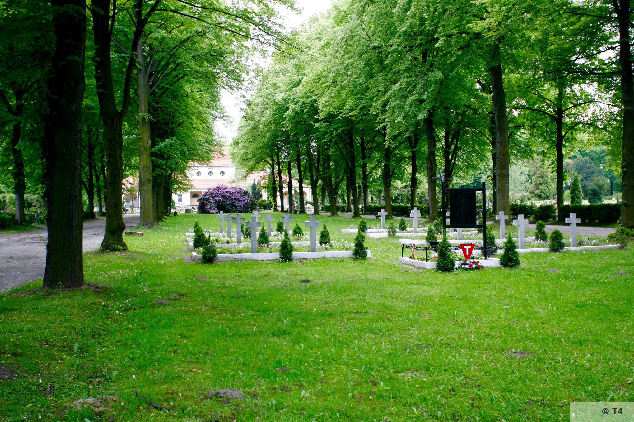 Gliwice cemetery. 2005 T4 5568