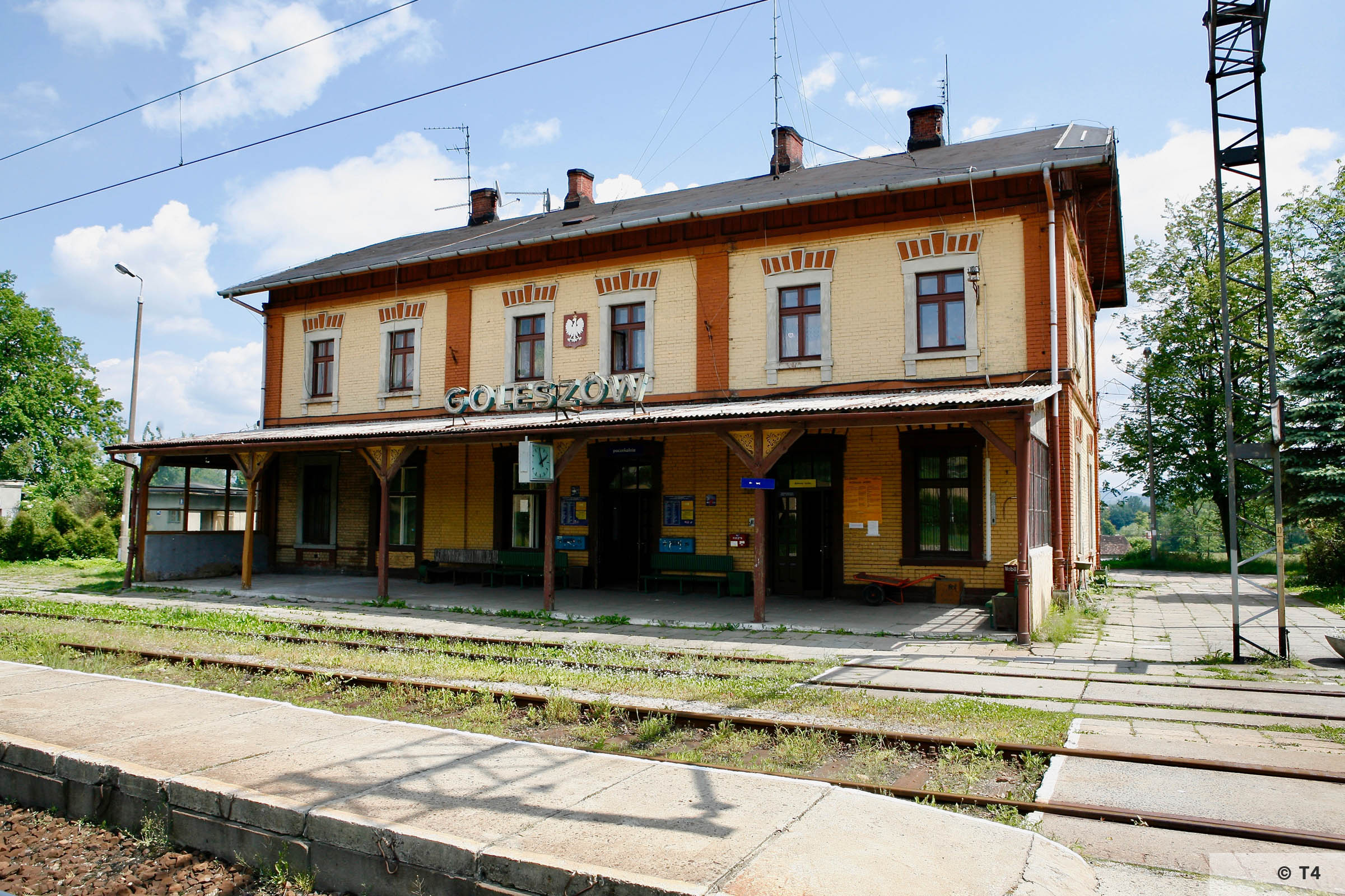 Goleszow train station 2006 T4 6647