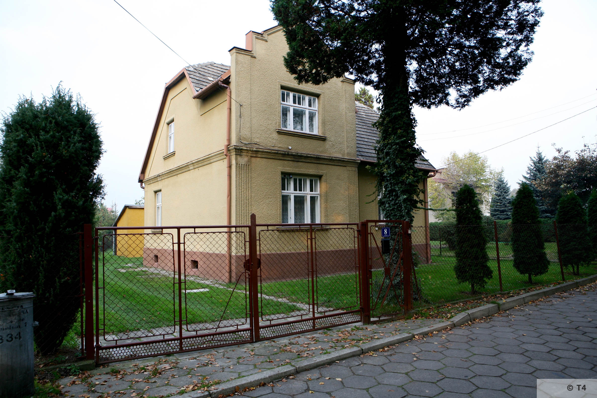 Houses near the area of the former sub camp Jawischowitz. 2007 T4 2210