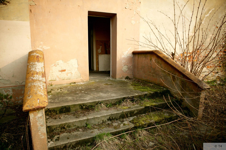 Hygiene Institut der Waffen SS laboratory in Rajsko. 2007 T4 3473