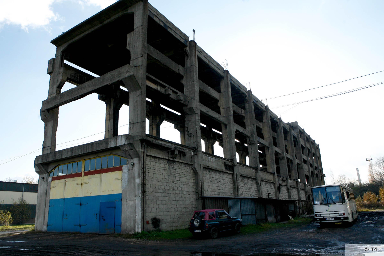Incomplete power plant in Brzeszcze. 2006 T45013