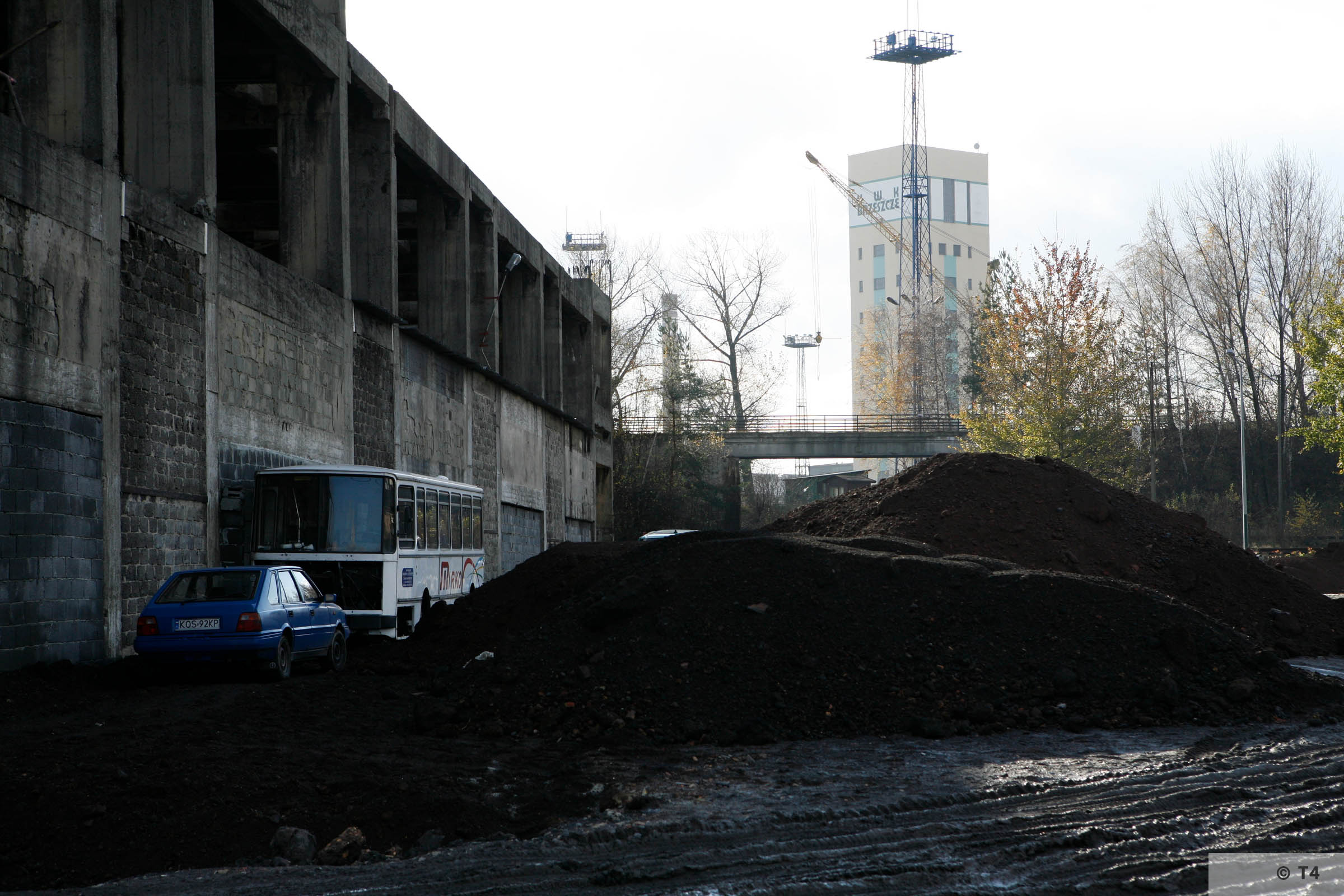 Incomplete power plant in Brzeszcze. Background mine in Brzeszcze. 2006 T4 5008