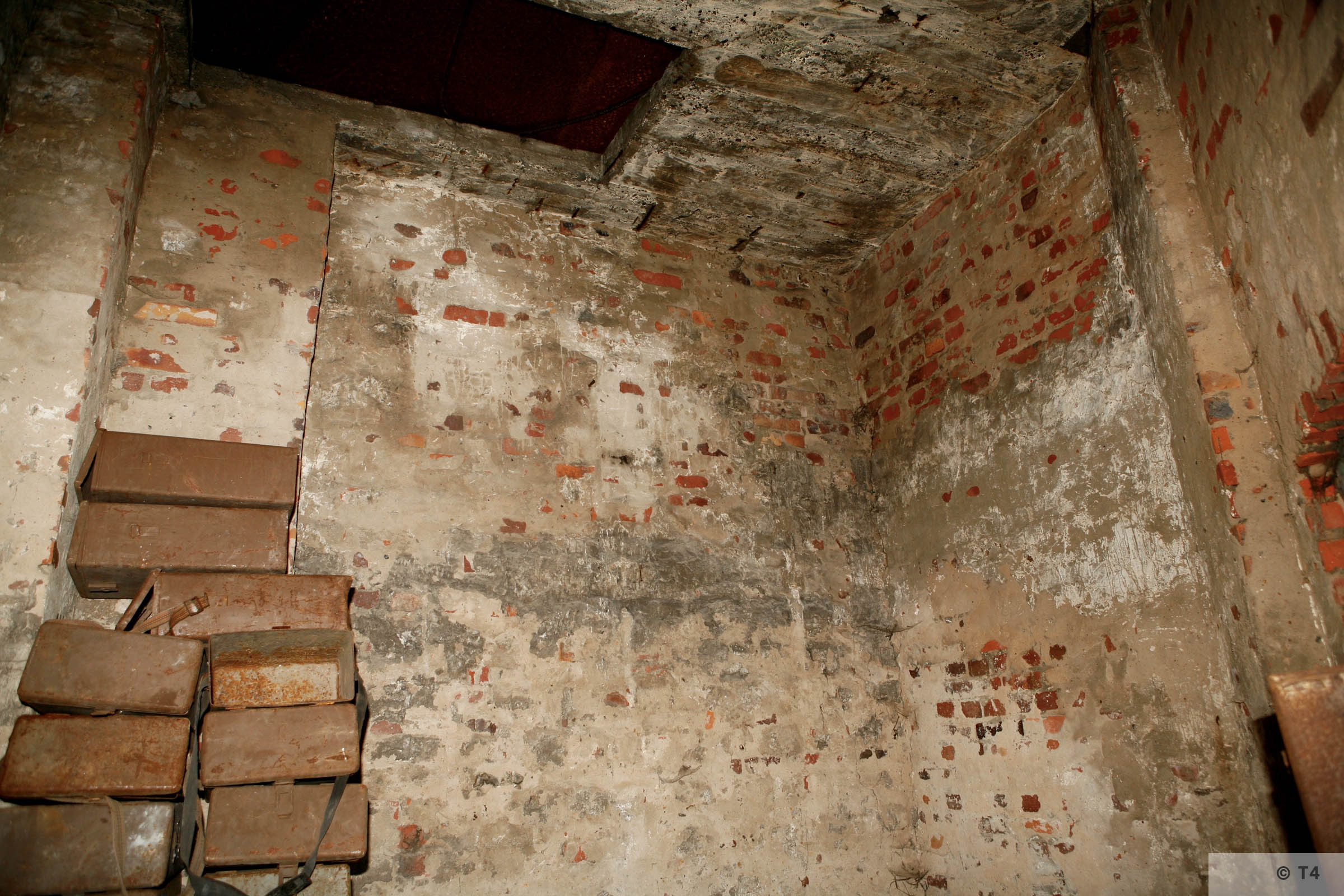 Interior of south east corner guard tower. 2006 T4 6861