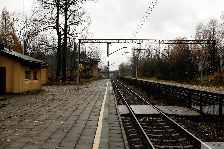 Kobior railway station. 2007 T4 3151