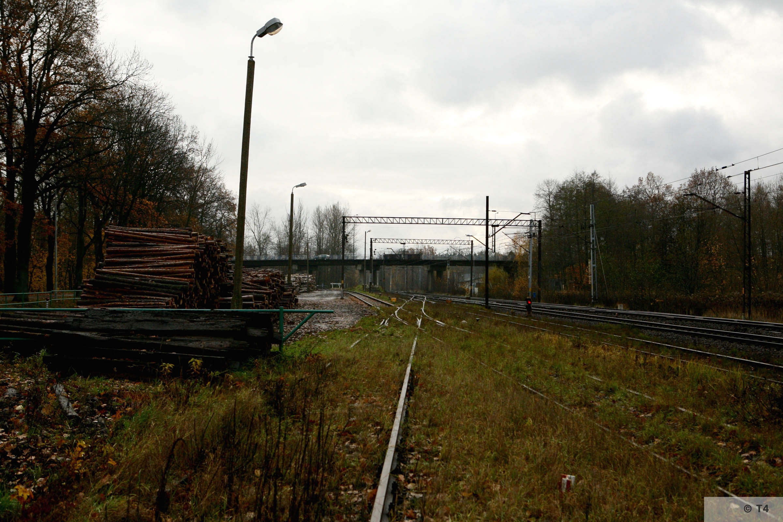 Kobior railway station. 2007 T4 3158