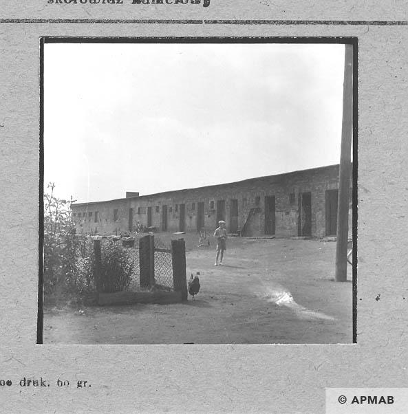 Latrines. 1963 APMAB 5682