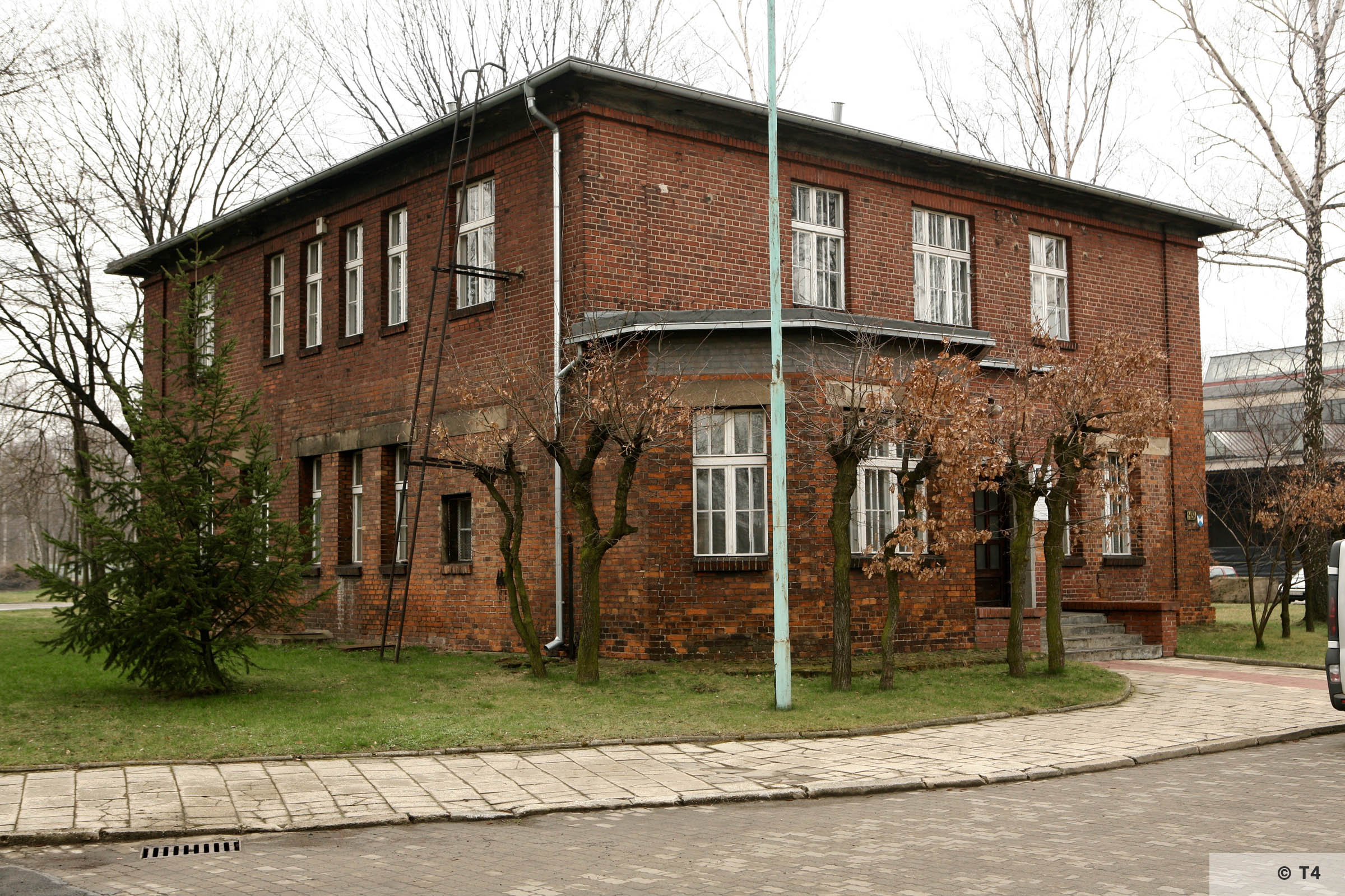 Main administrative building of the sub camp. 2007 T4 4844