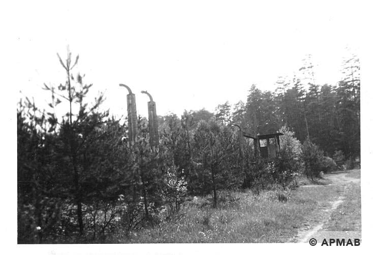 Main gate on SW corner of the camp; on the right road between Judenlager and Banhofslager. 1965 APMAB 8763