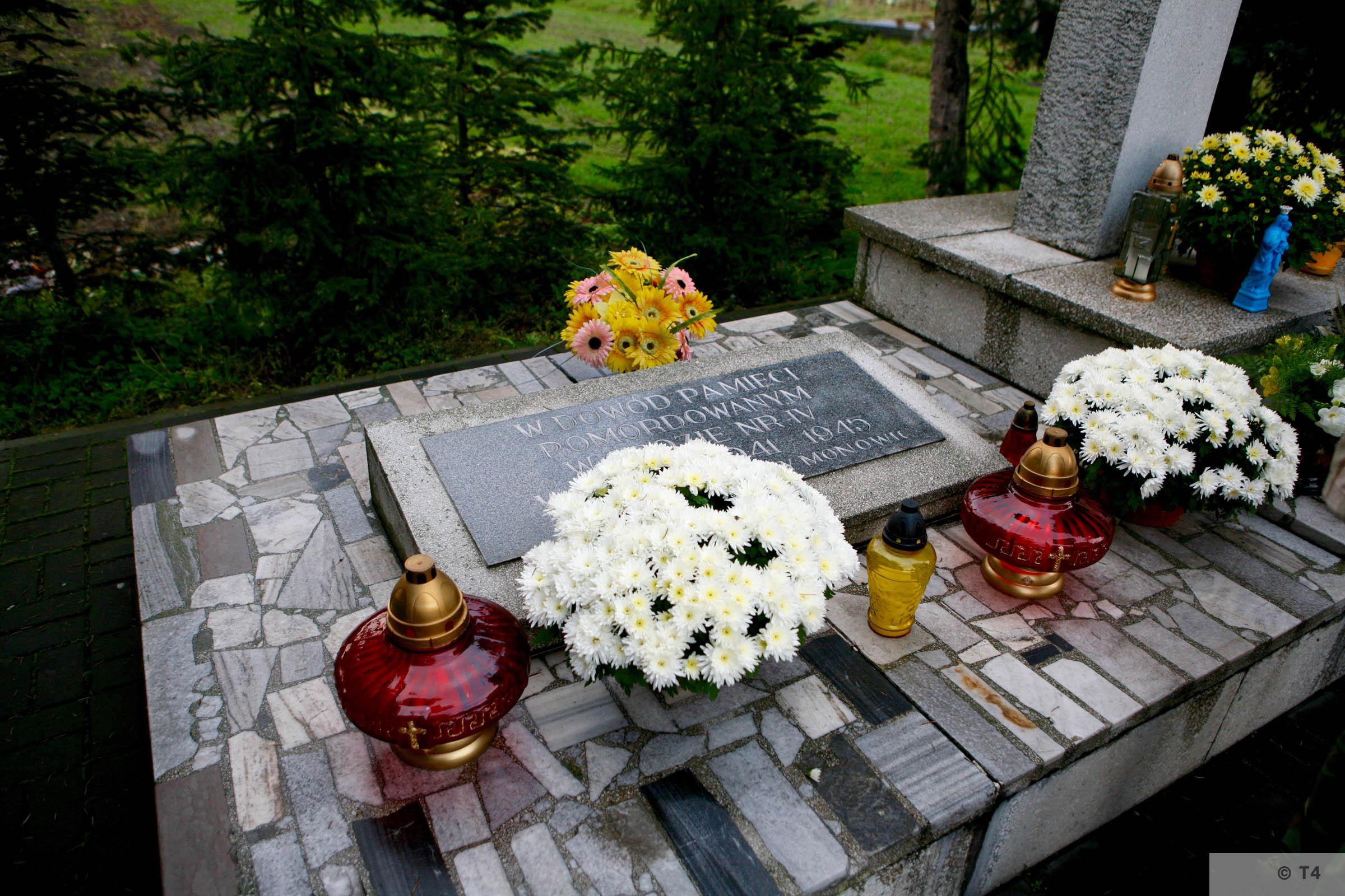 Memorial at ul Bartosza Głowackiego in Monowice. 2008 T4 3175