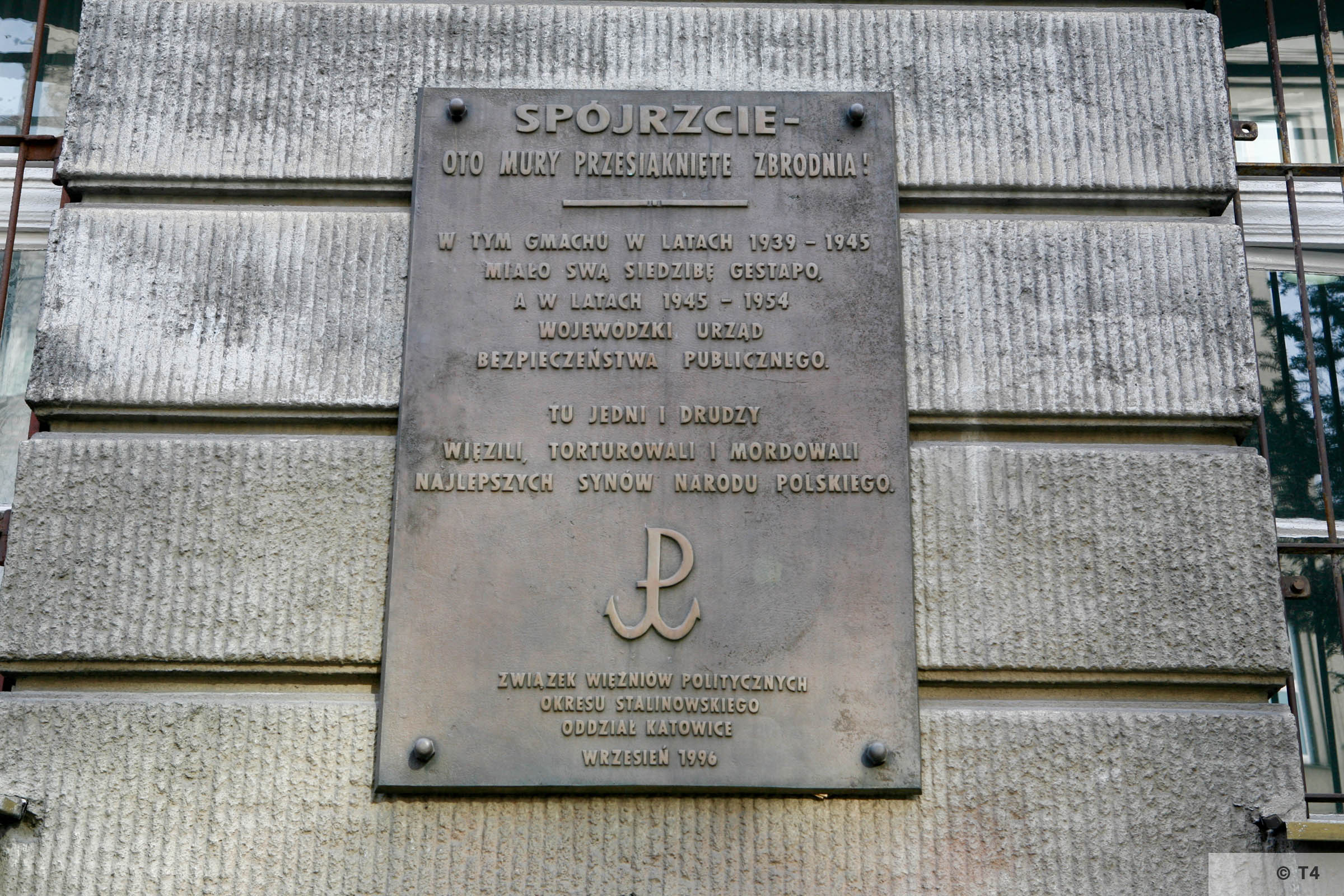 Memorial on the building of the former Gestapo Headquarters in Katowice. 2006 T4 3715