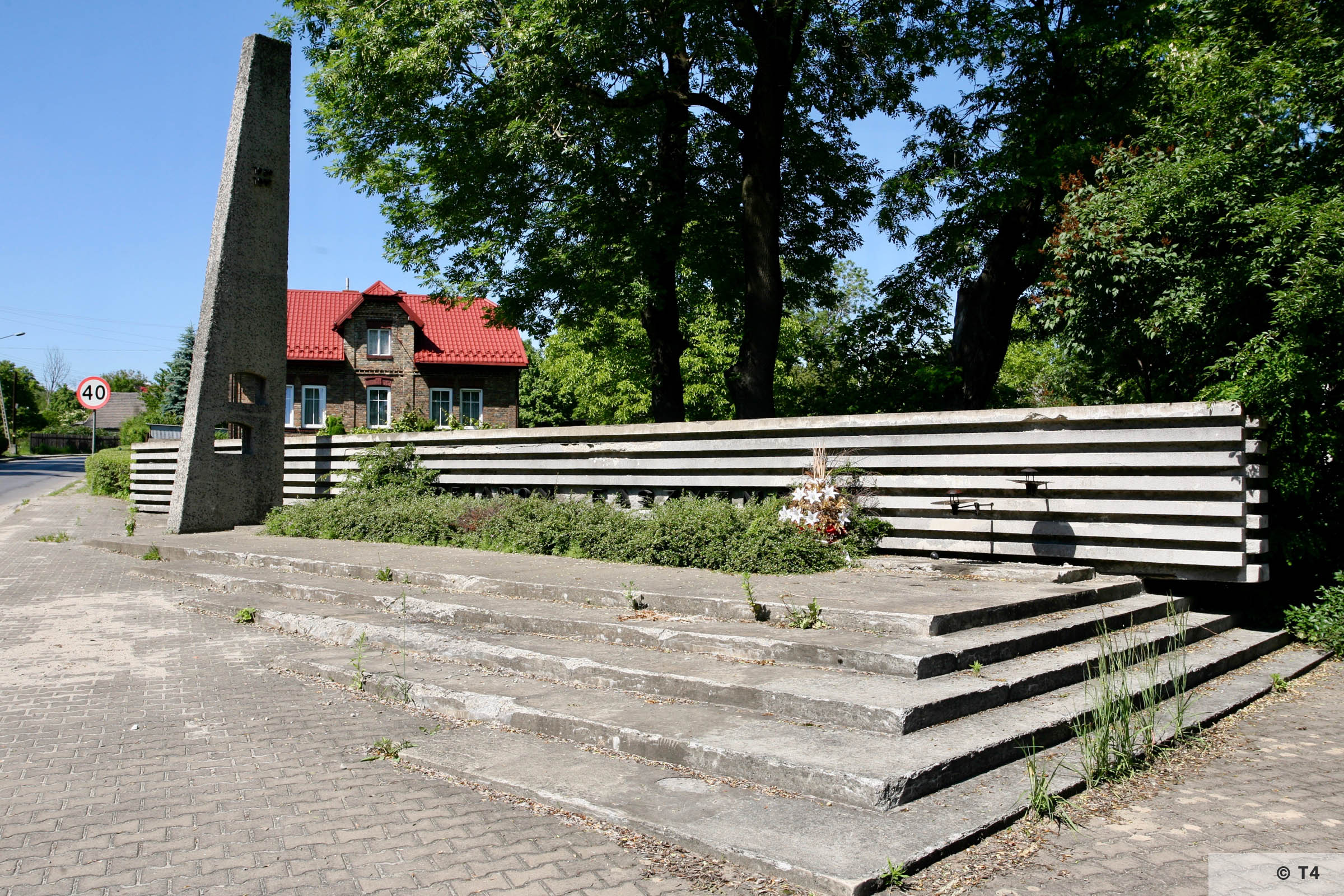 Memorial on ul Kruczkowskiego. 2006 T4 7893