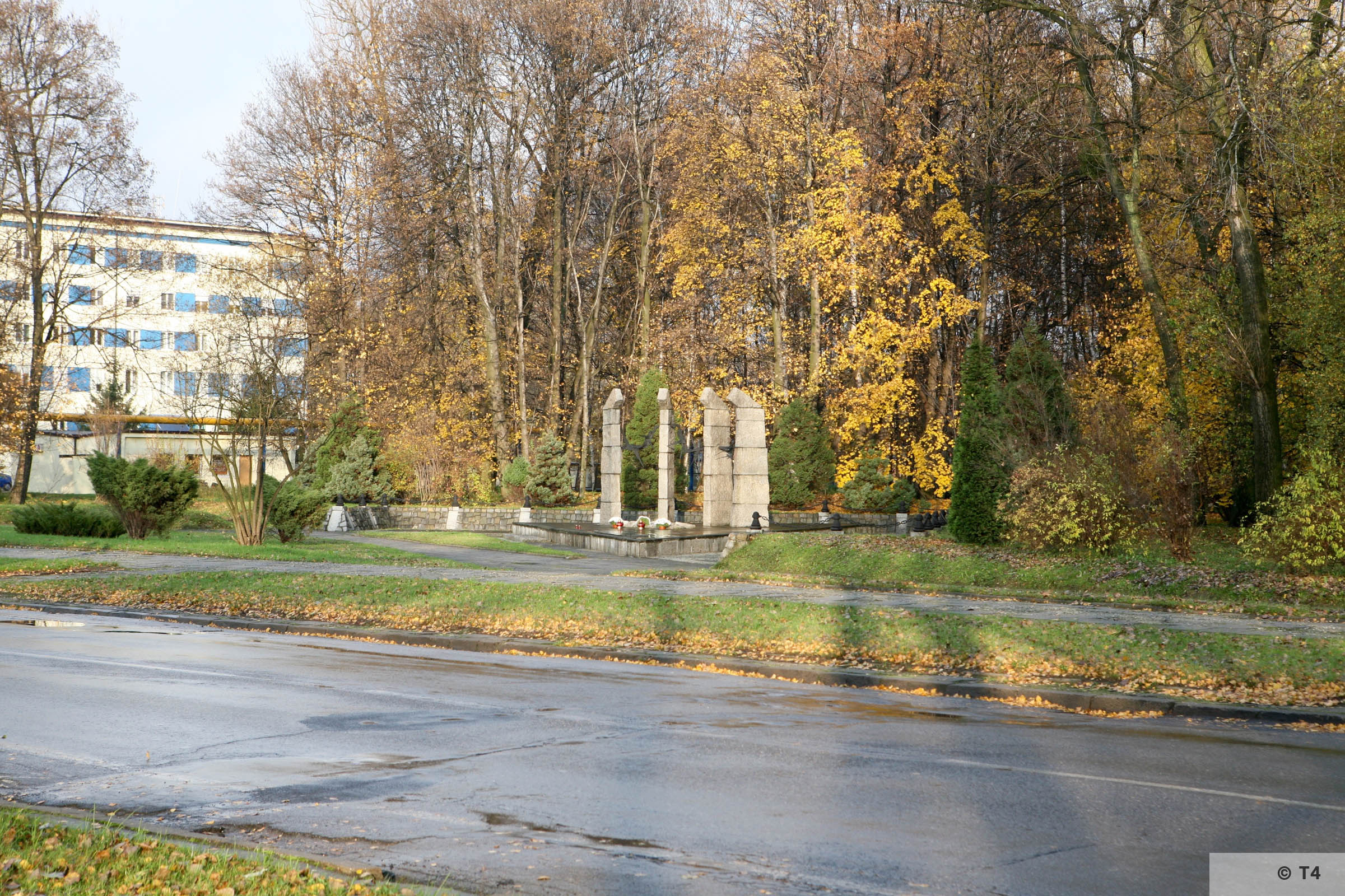 Memorial to former Monowitz prisoners at ul Chemikow near the former IG Farben Buna plant. 2008 T4 3174