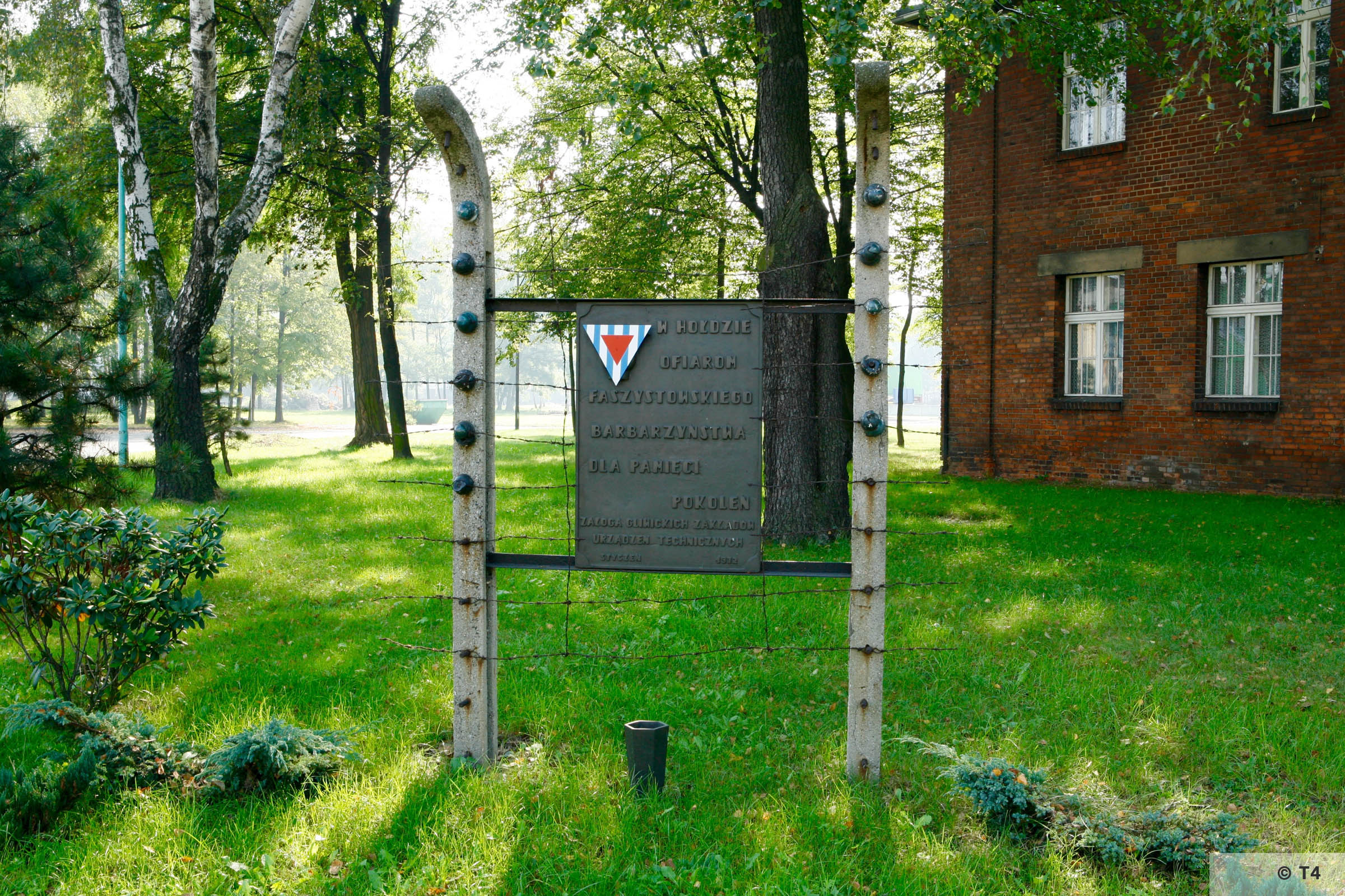 Memorial to prisoners of Gleiwitz III sub camp. 2006 T4 1475