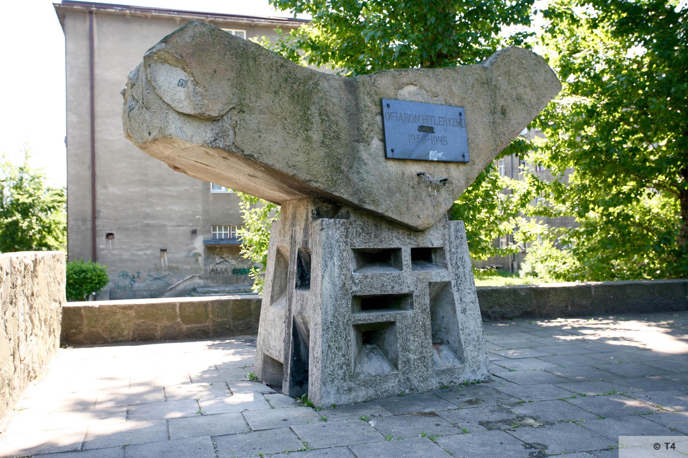 Monument at ul Grunwaldzka at the mass grave of Auschwitz prisoners. T4 7877