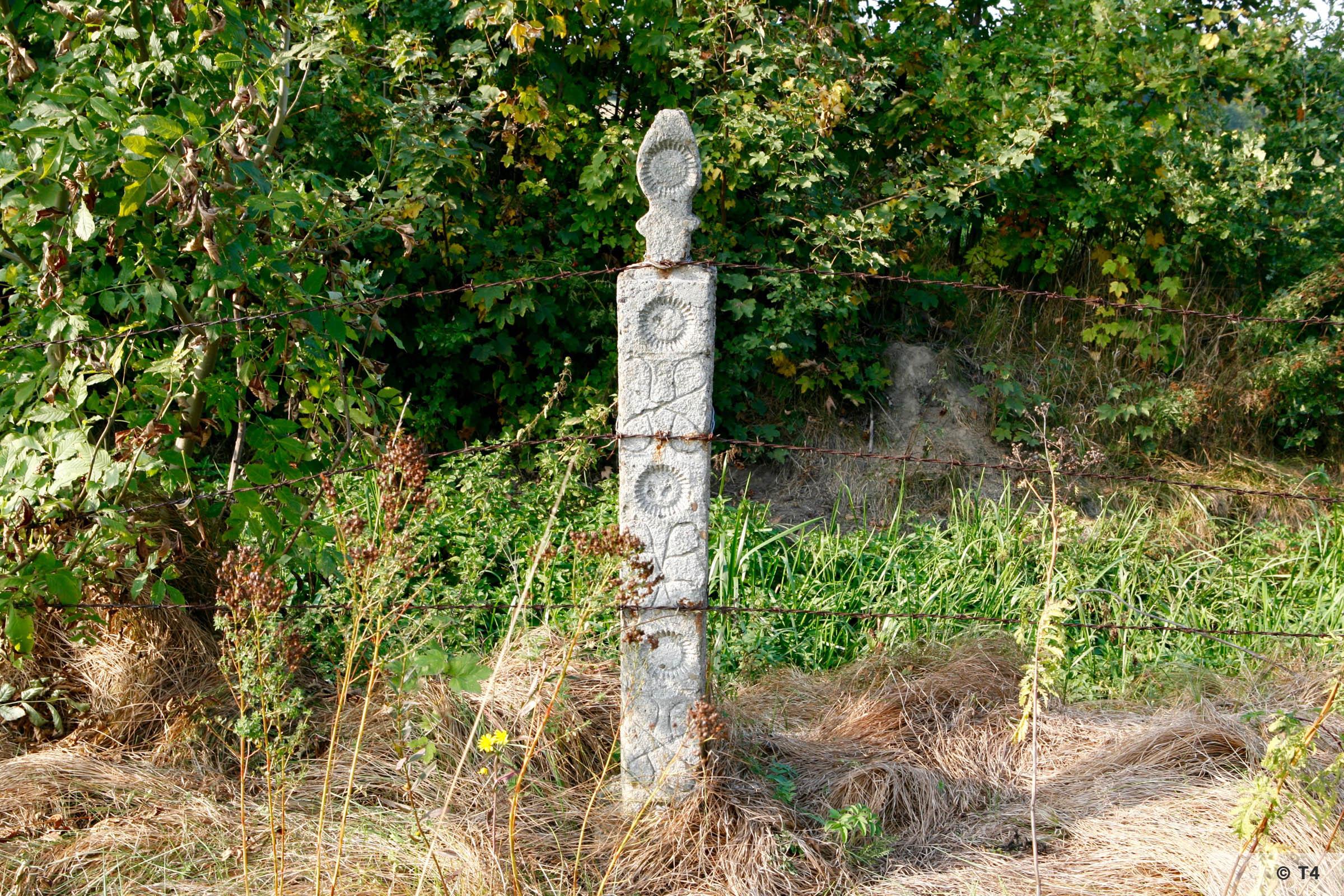 Ornamental fence post. 2006 T4 2412