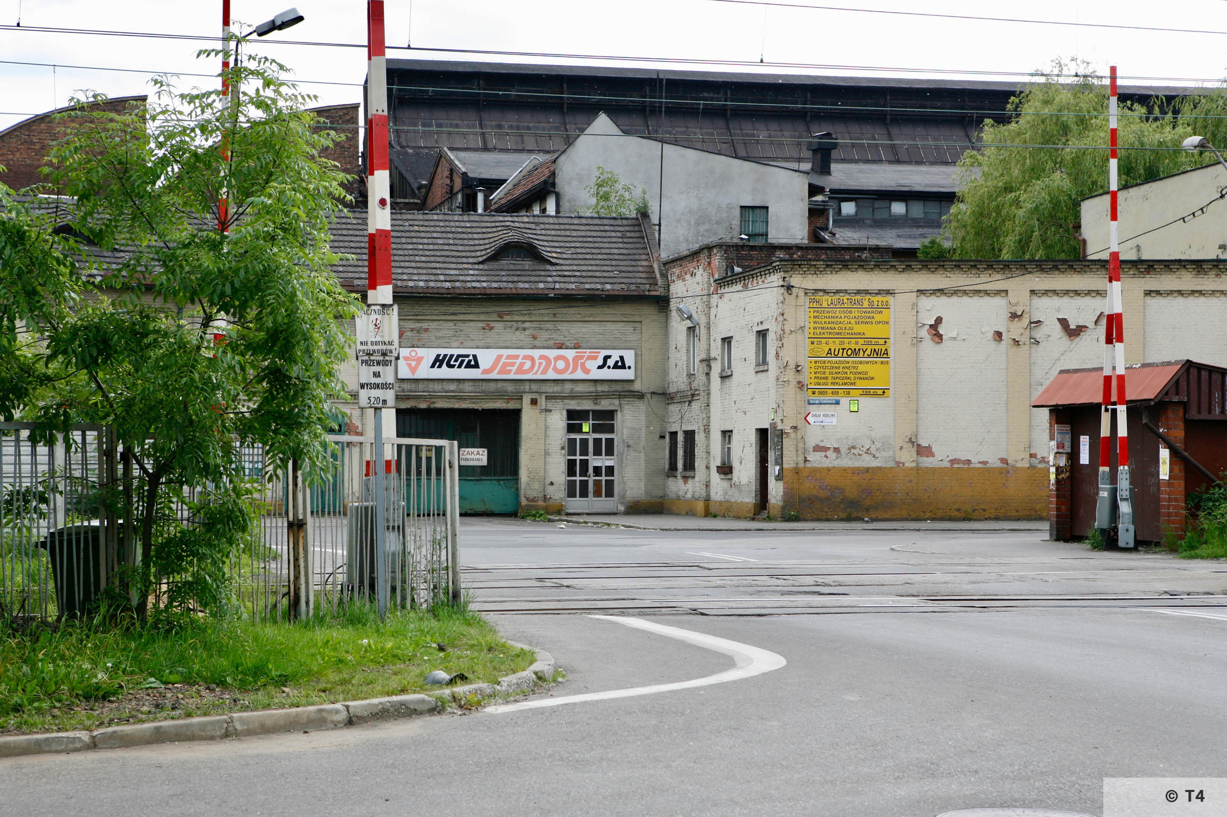 Production halls and rail entrance of the former Laurahütte steel works. 2007 T4 6342