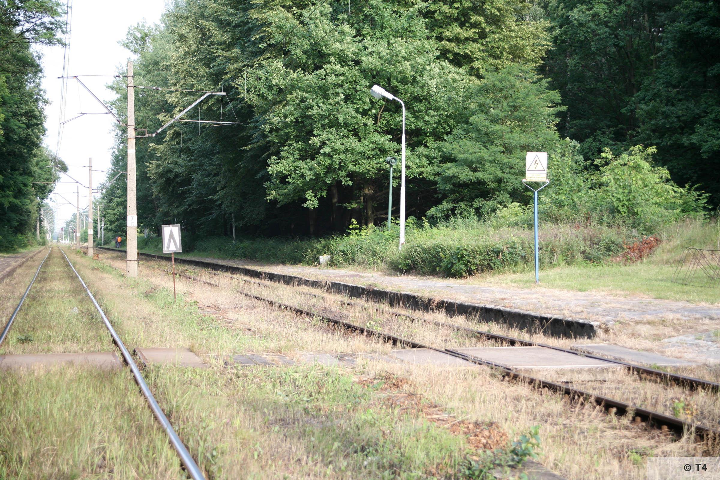 Radostowice railway station. 2007 T4 9000