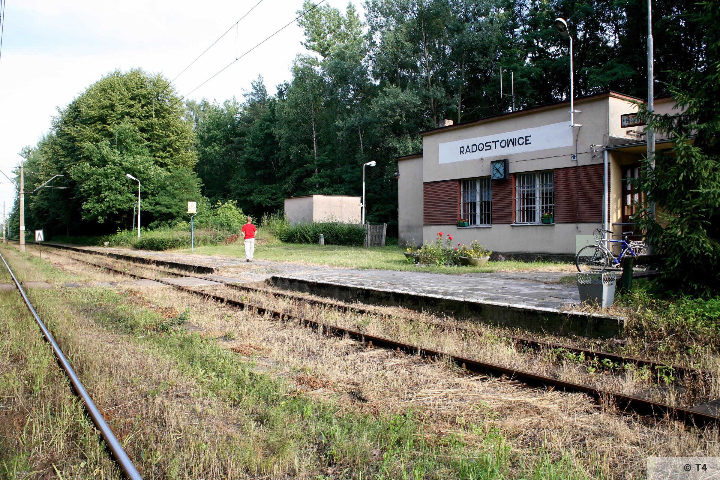 Radostowice railway statiuon. 2007 T4 8998
