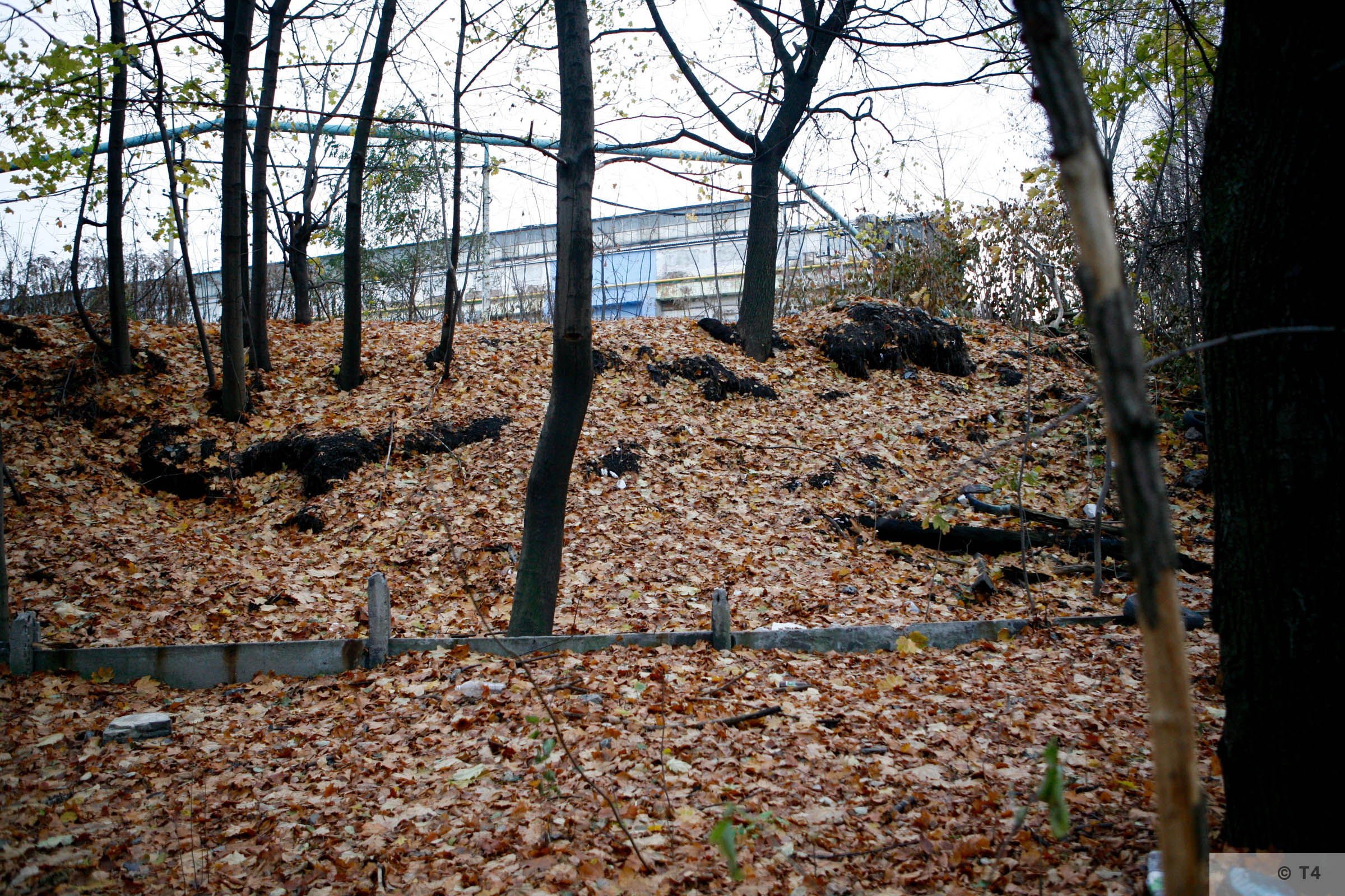 Remnants in the area of the former sub camp and labour camp near the production halls. 2006 T4 4854