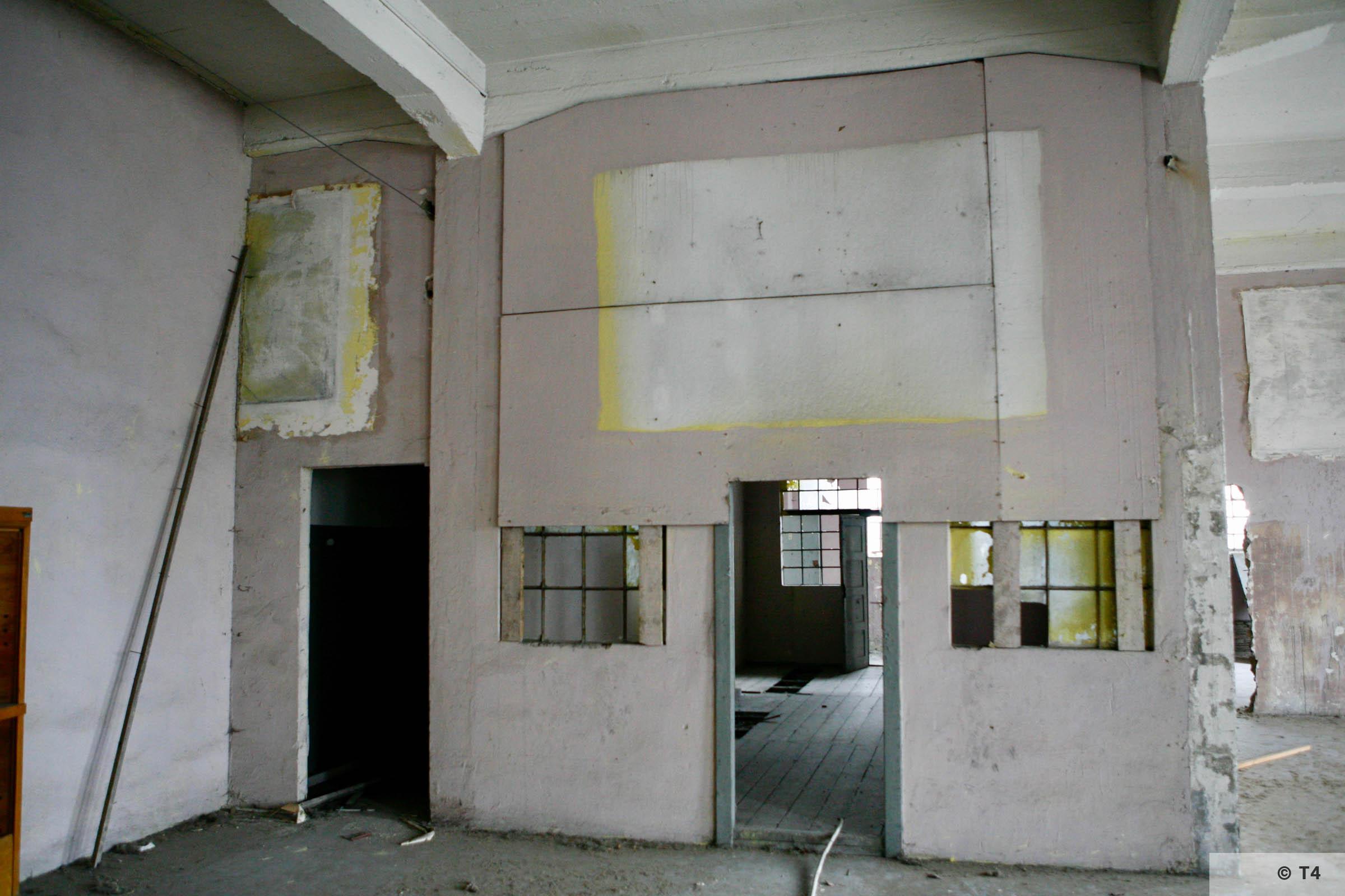 Remnants of frescos. 2006 T4 3406