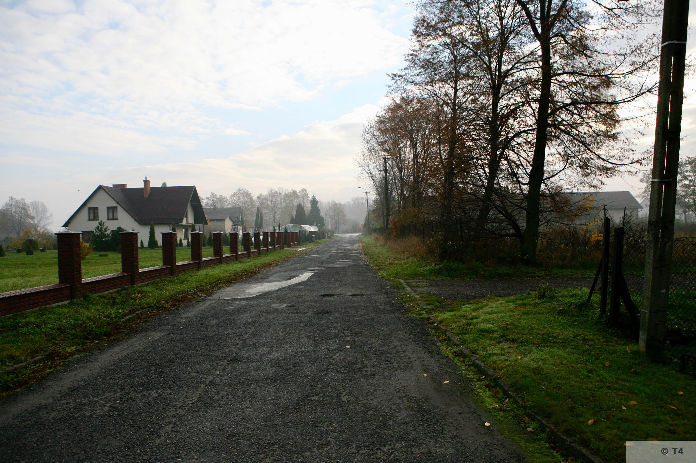 Road from former sub camp to main highway. 2007 T4 2941