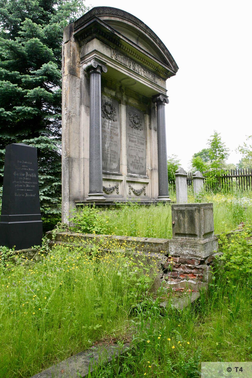 Samuel Fränkel grave in Jewish cemetery in Prudnik. 2006 T4 5242