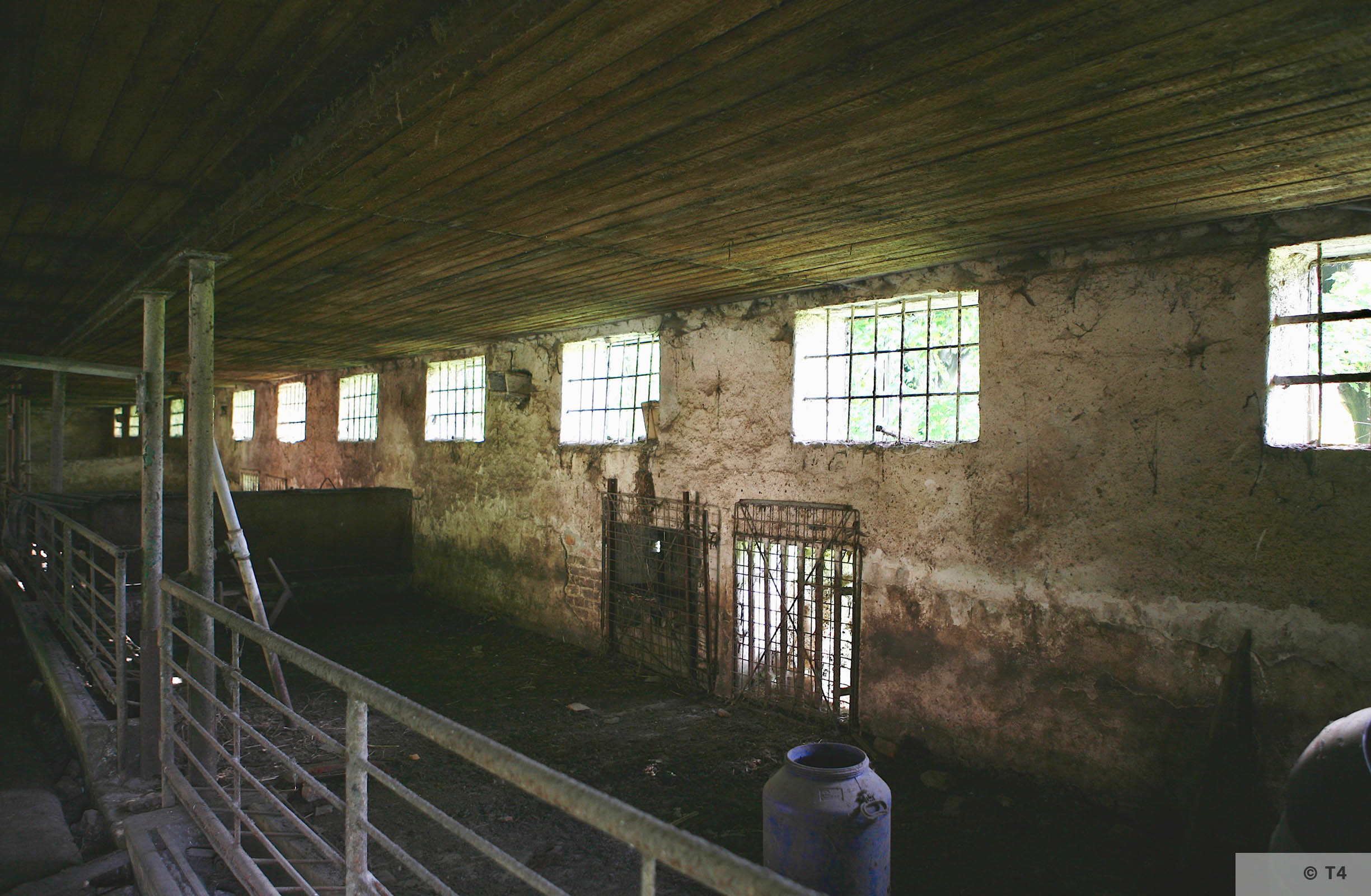 Single storey stable block where Kapos lived and hospital. 2006 T4 6757