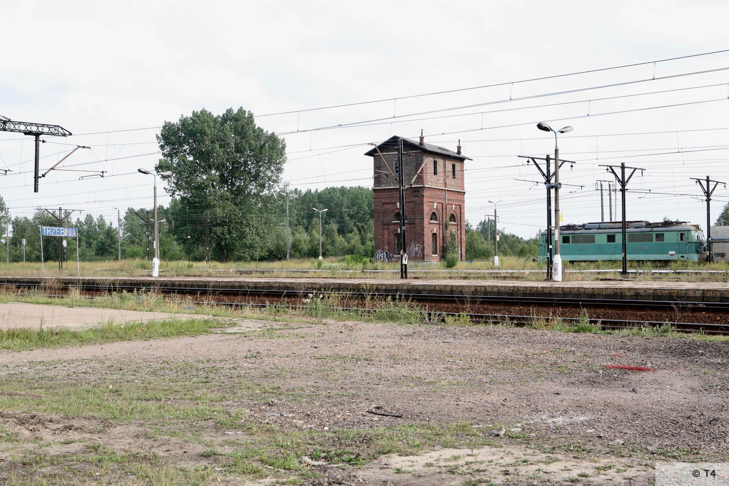 Trzebinia railway station. 2007 T4 4743
