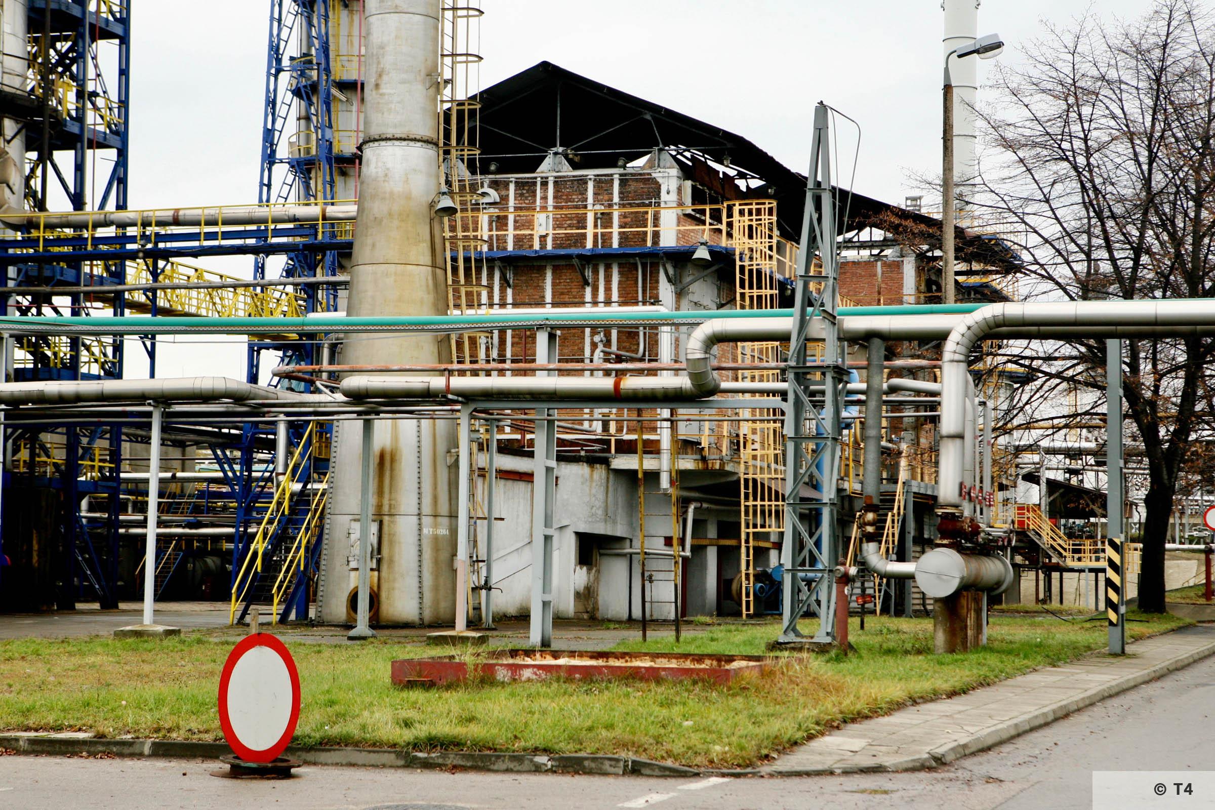 Trzebinia refinery. 2007 T4 4038