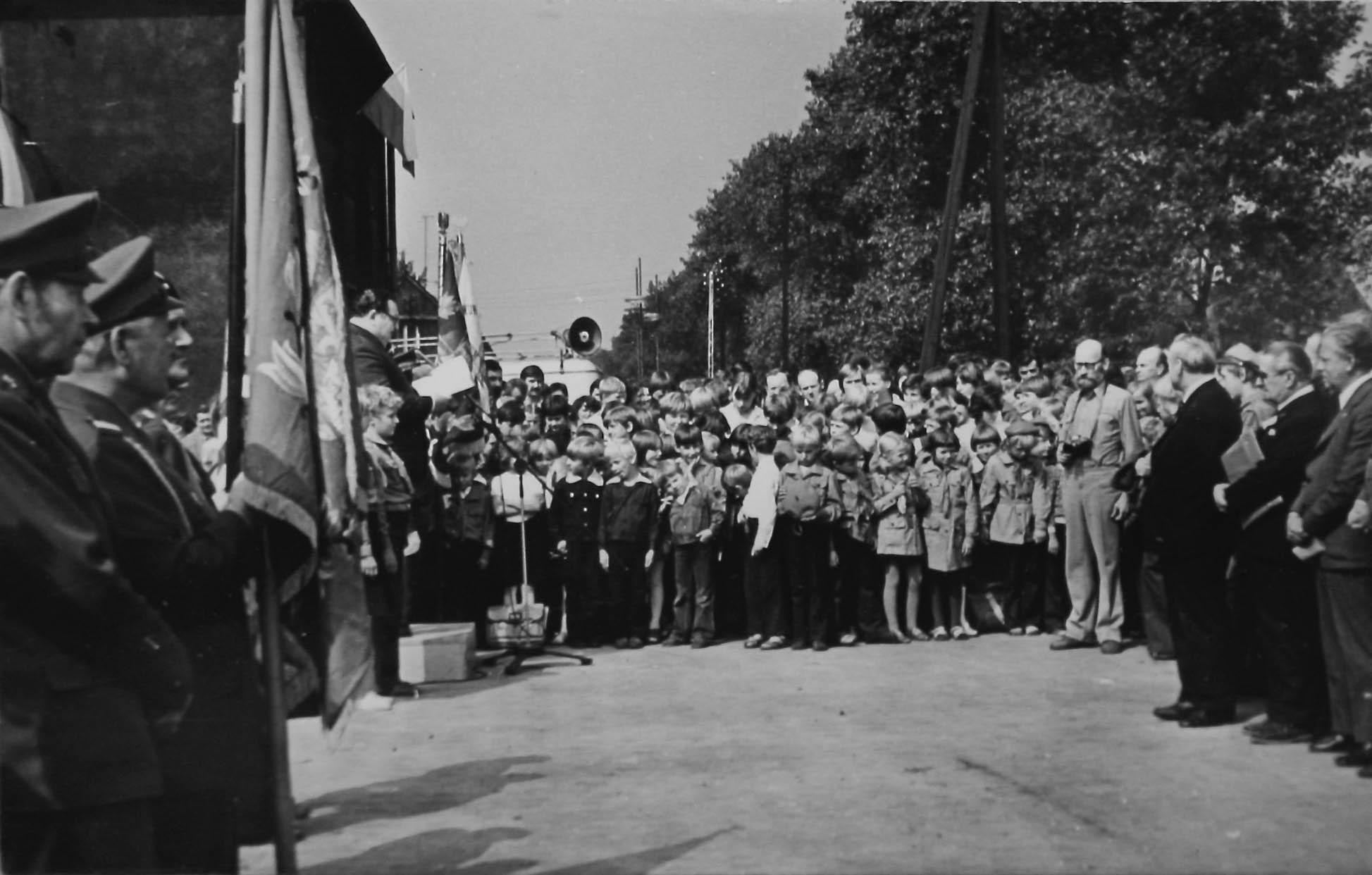 Unveliing of memorial to Gleiwitz II sub camp.1979 5362