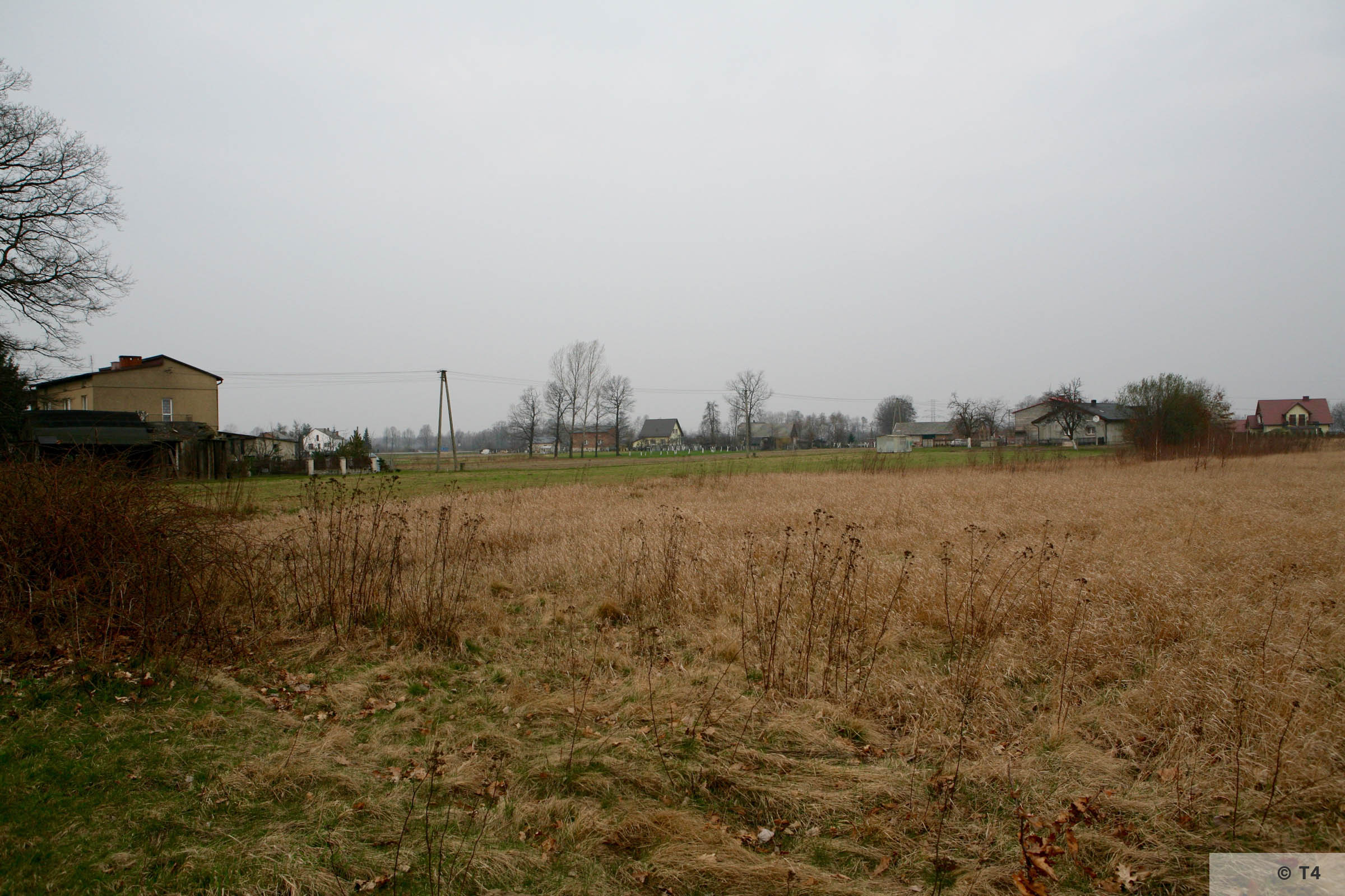 View of Babice village and farm land. 2007 T4 3684