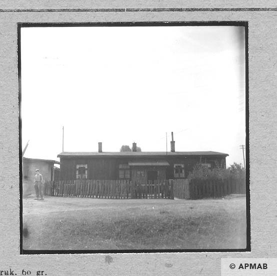 Wooden barrack Blockführerstube. 1963 APMAB 5688