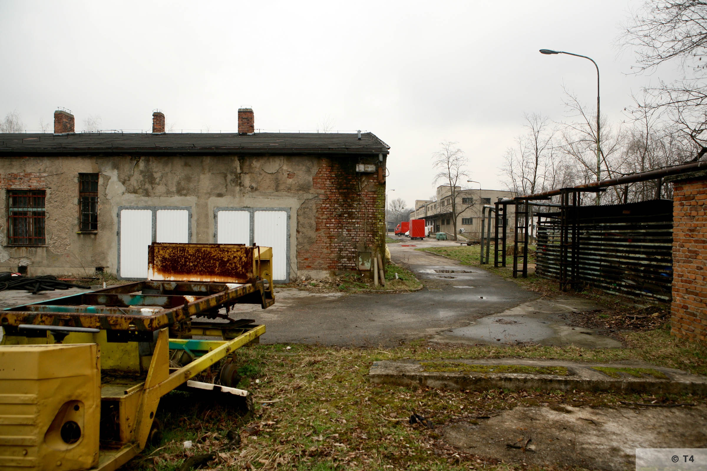 Workshops on the left. Storage building on the right. 2007 T4 4760