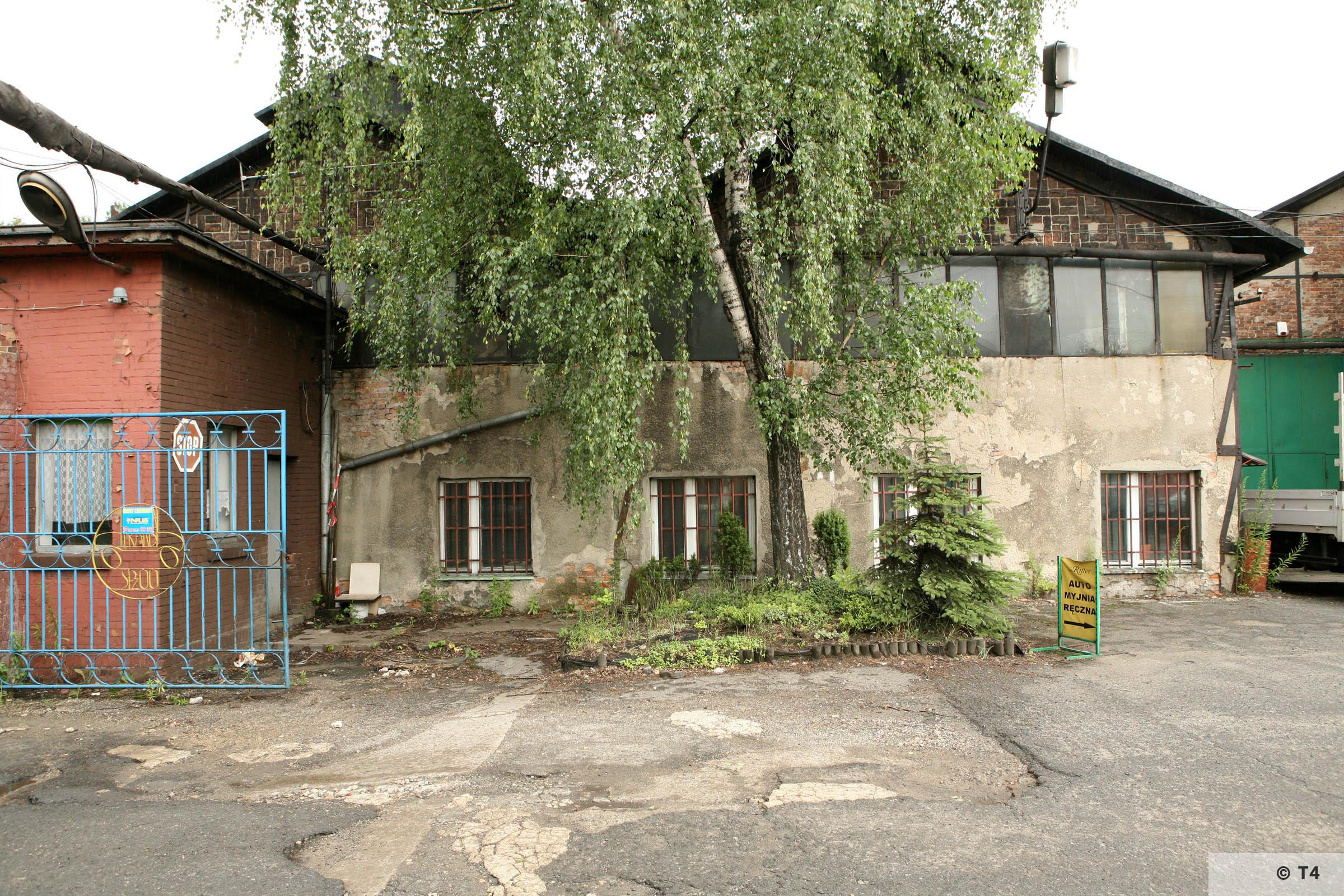 Workshops where prisoners lived. 2007 T4 9515