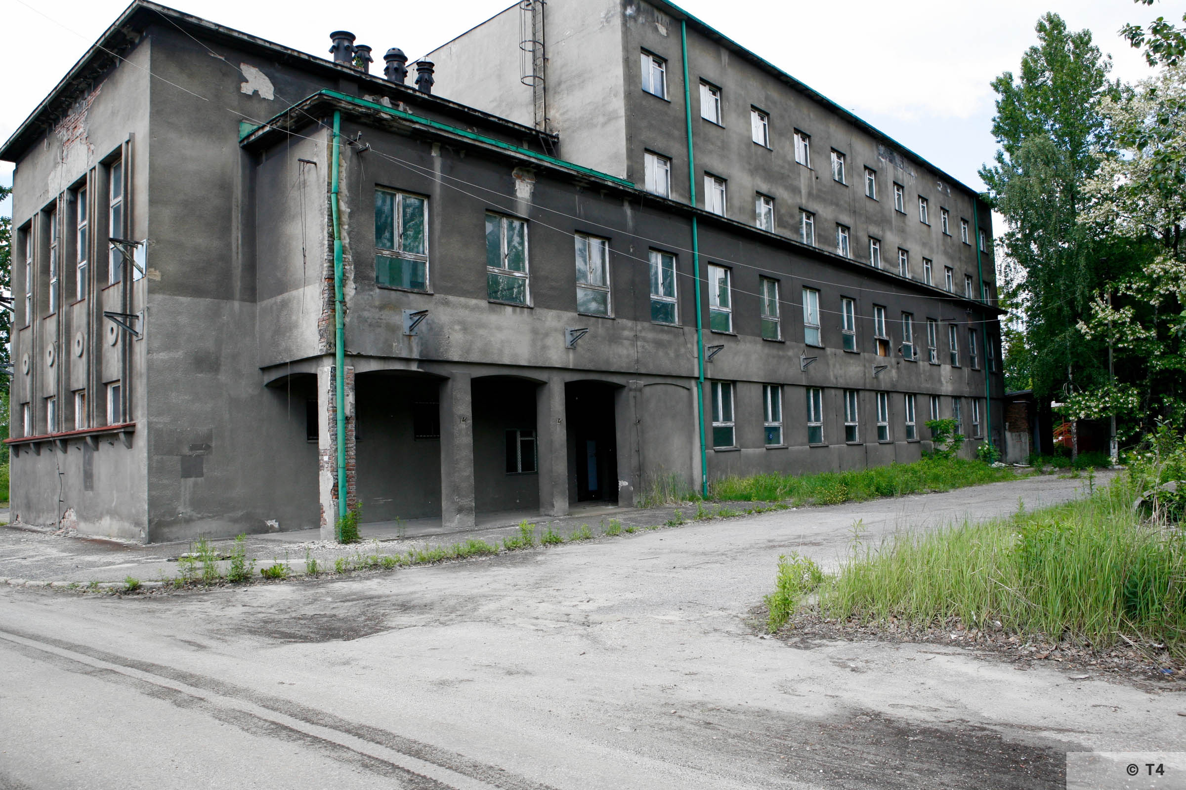 Zygmunt steel works. Adminsitration building near main entrance. 2006 T4 6231