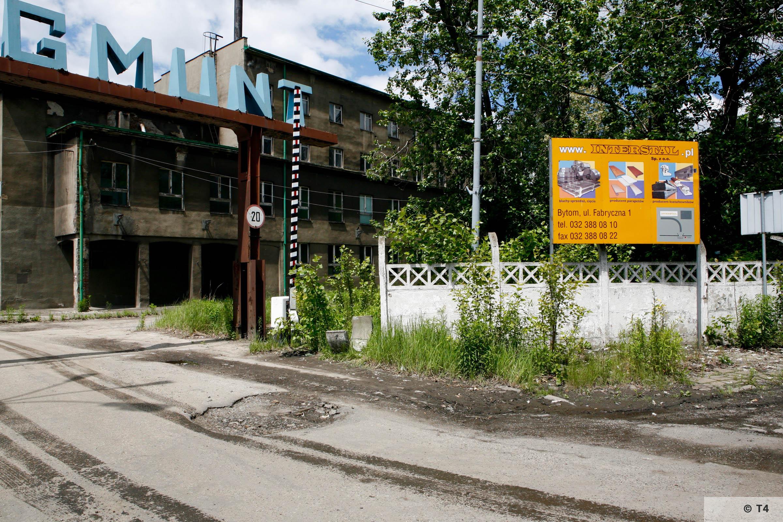 Zygmunt steel works. Main entrance. 2006 T4 6229